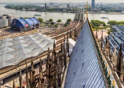Blick vom Vierungsturm auf den Rhein
